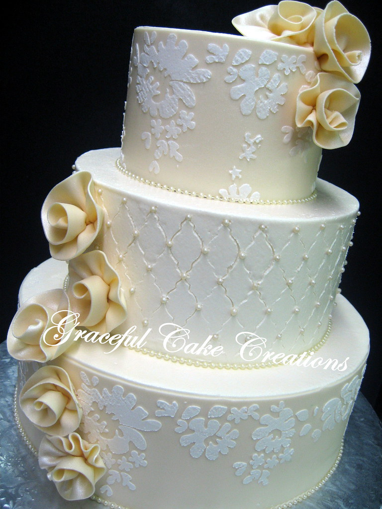stencils for wedding cakes ivory wedding cake with alencon lace stencil desig 7702