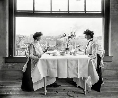 Original Vintage Image of women from 1902