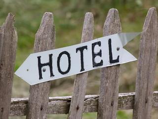Cartel de Hotel en Armenia