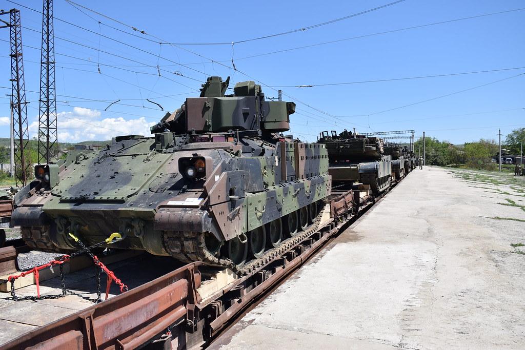 Co se děje? Šokovaný občan ze Slovenska natočil přesun amerických vojsk na Ukrajinu