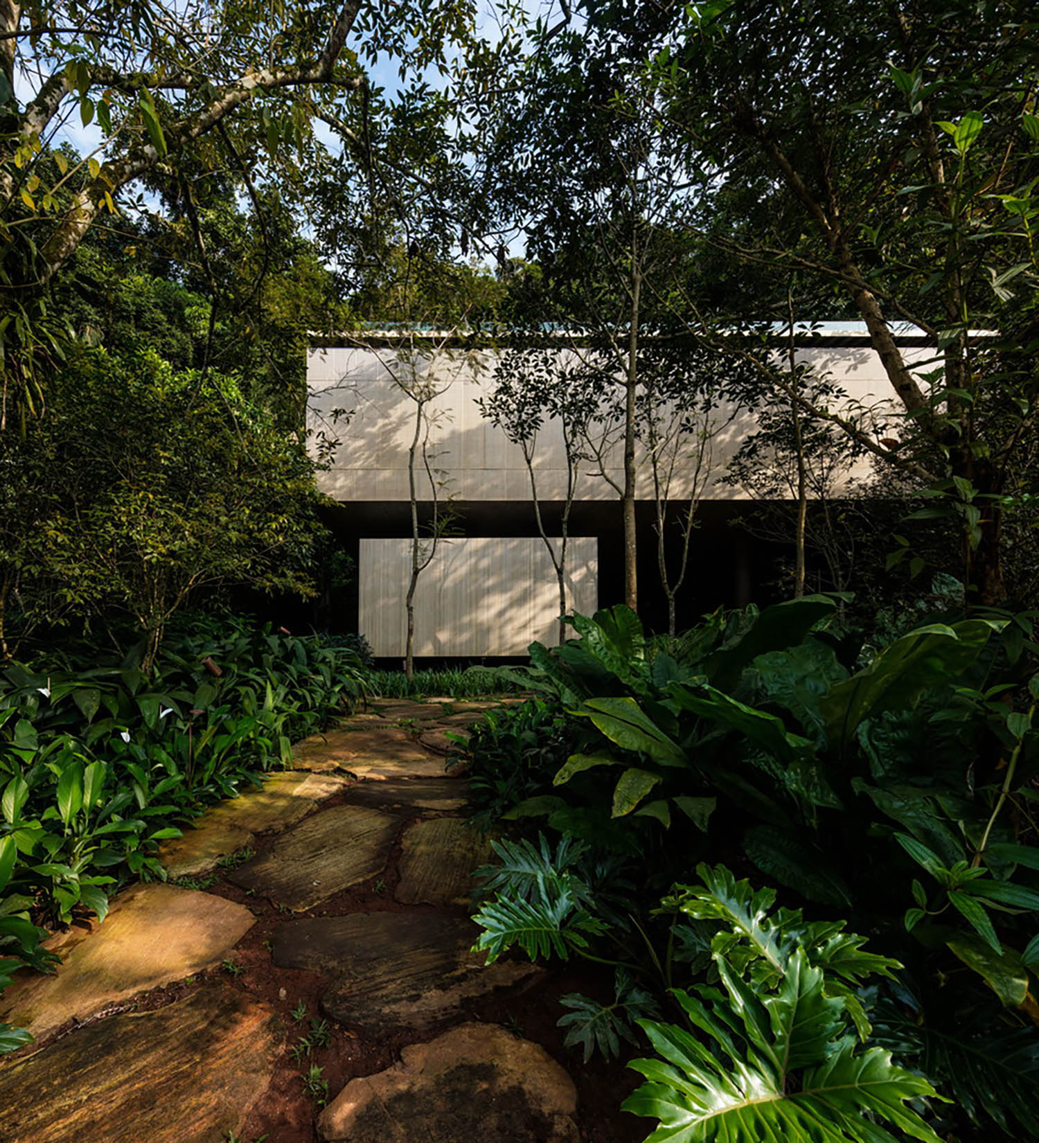mm_Jungle House  design by Studiomk27 - Marcio Kogan + Samanta Cafardo_05