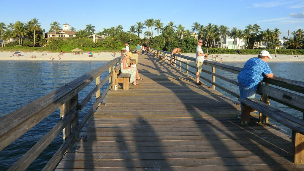 Naples fishing pier florida 39 s gulf coast reinhard for Gulf shores pier fishing forum