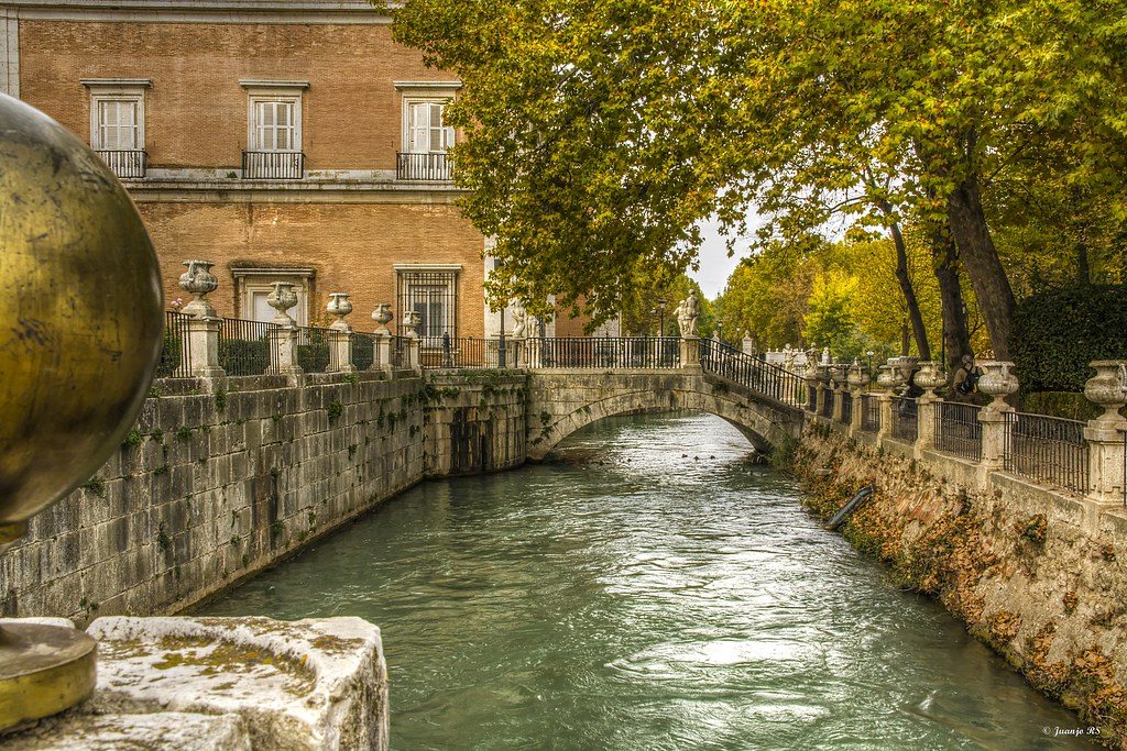 Por los jardines del palacio real de aranjuez juan jose for Jardines de aranjuez horario