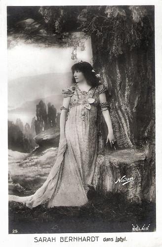 Sarah Bernhardt in Izéil