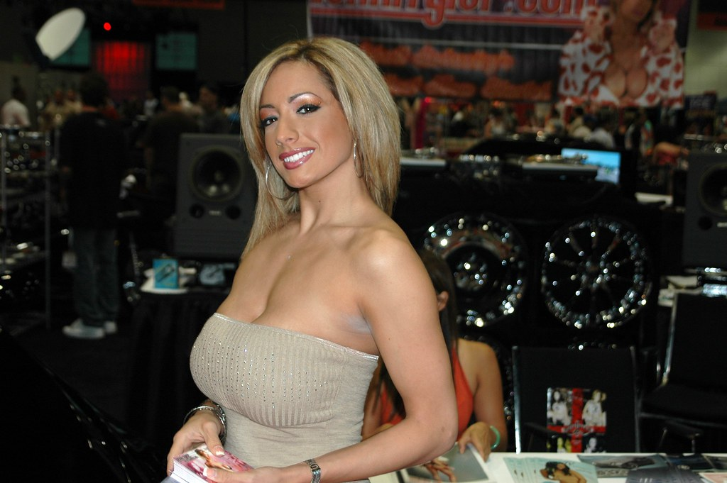 Lexxy Tyler posing for me at the 2005 Erotica LA conventio