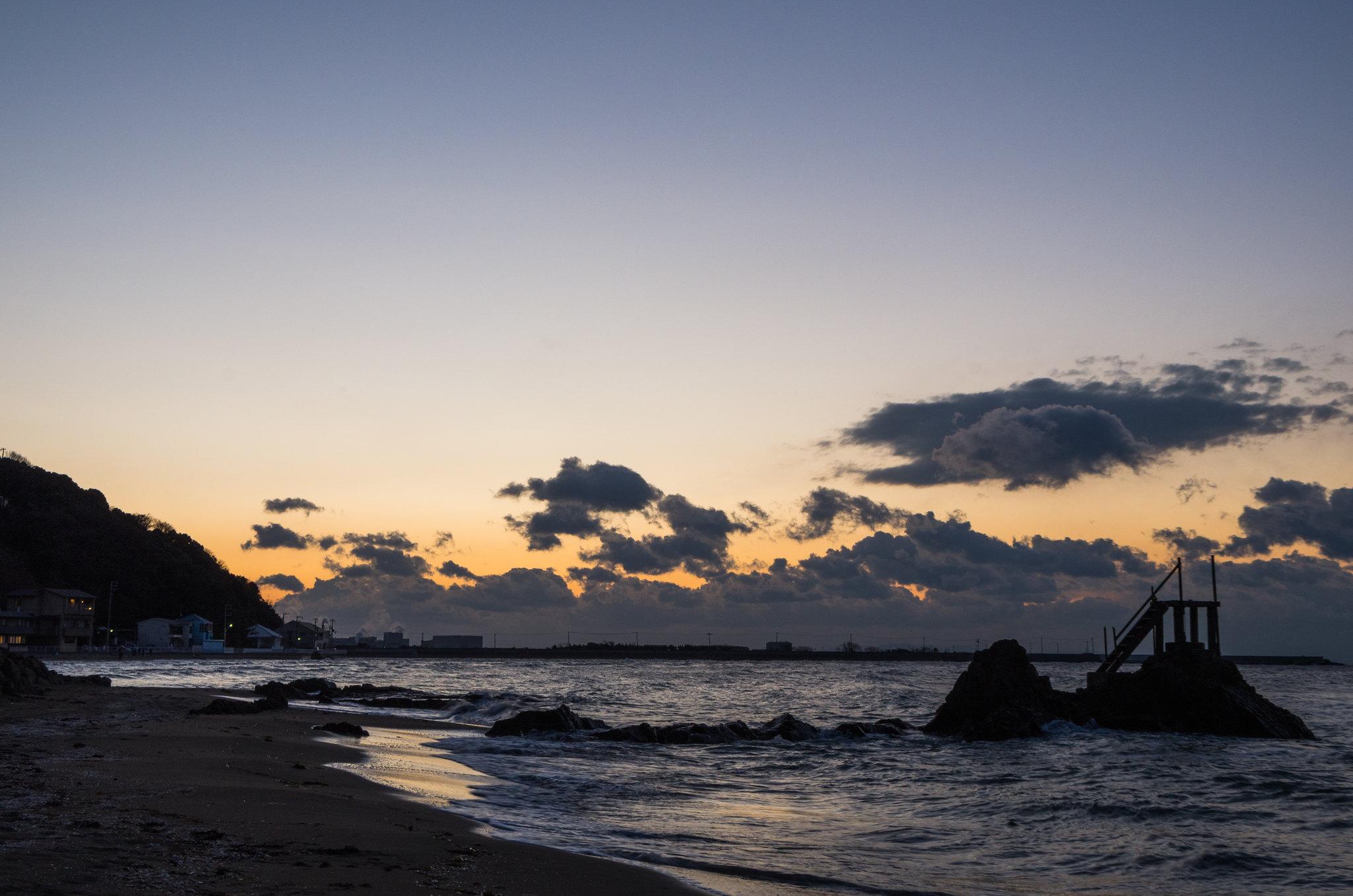 朝焼けの海岸 2015