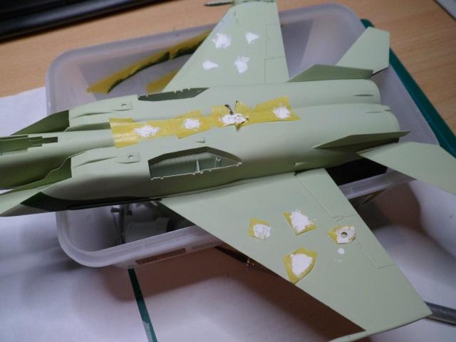 Pas-à-pas : MiG 25 Foxbat [Condor 1/72] - Page 3 30160178481_3342ffe718_o