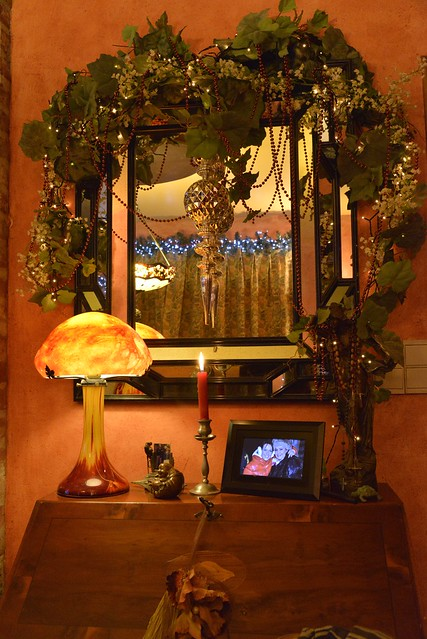 lampe champignon au miroir flickr photo sharing. Black Bedroom Furniture Sets. Home Design Ideas