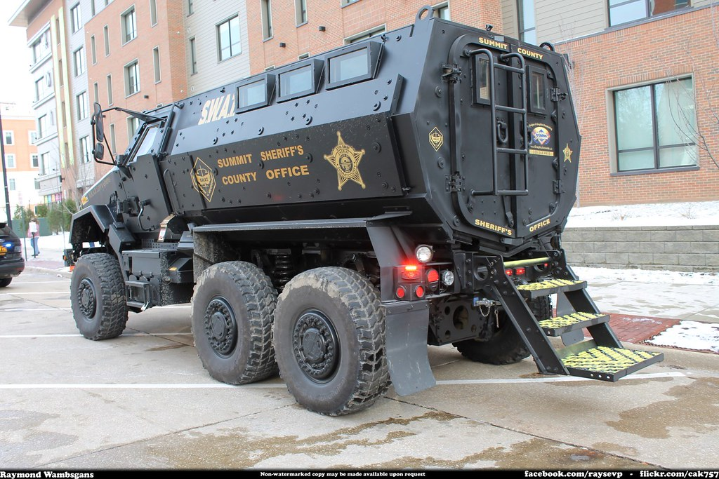 Swat Police Car Games