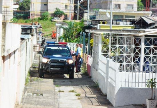 2 desvalijadores de carros con ultimados en el patio de una casa en Ciudad Guayana