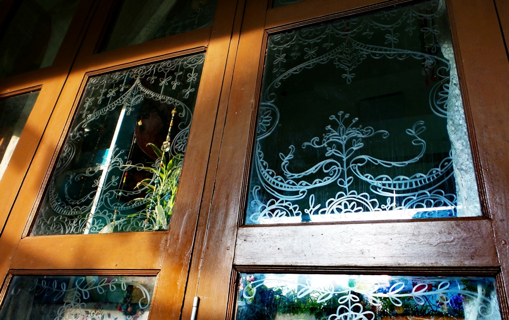 Drawing Glass Window : Drawing on glass window with soap lovely idea from pinte