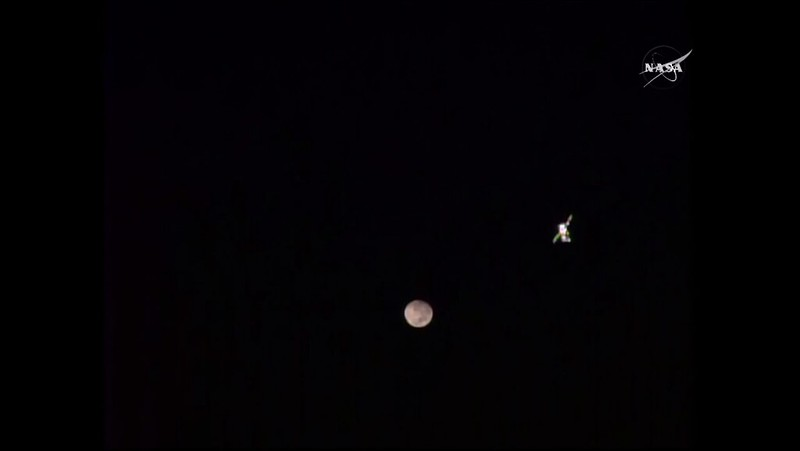 Soyuz and Moon - Nasa
