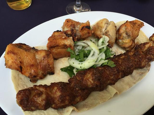 Kebab y pollo barbacoa en Armenia