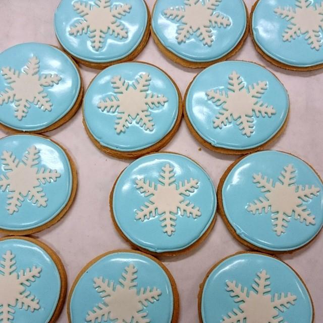 Frozen theme cookies #elsa #frozen #snowflake #sugarcookie… | Flickr