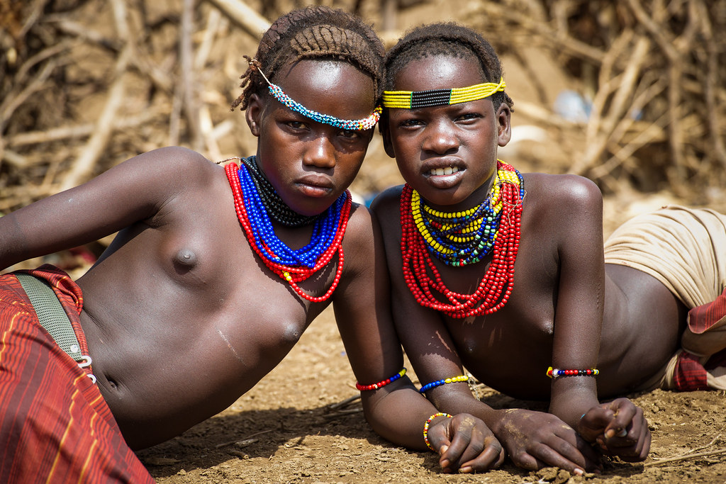 Little teen and tribu african - 2 2