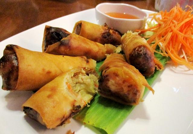 Sakhon Thai spring rolls