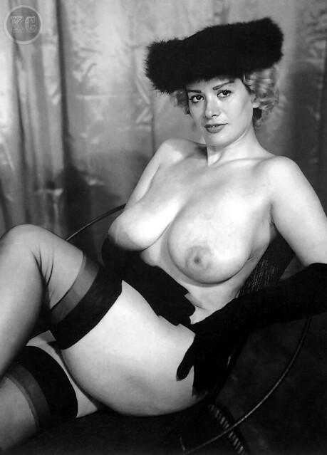 Giant boob brit mature chick Sonia visits a gloryhole