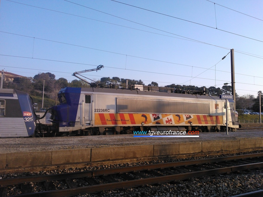 La locomotive électrique bicourant BB 22236 RC SNCF PACA
