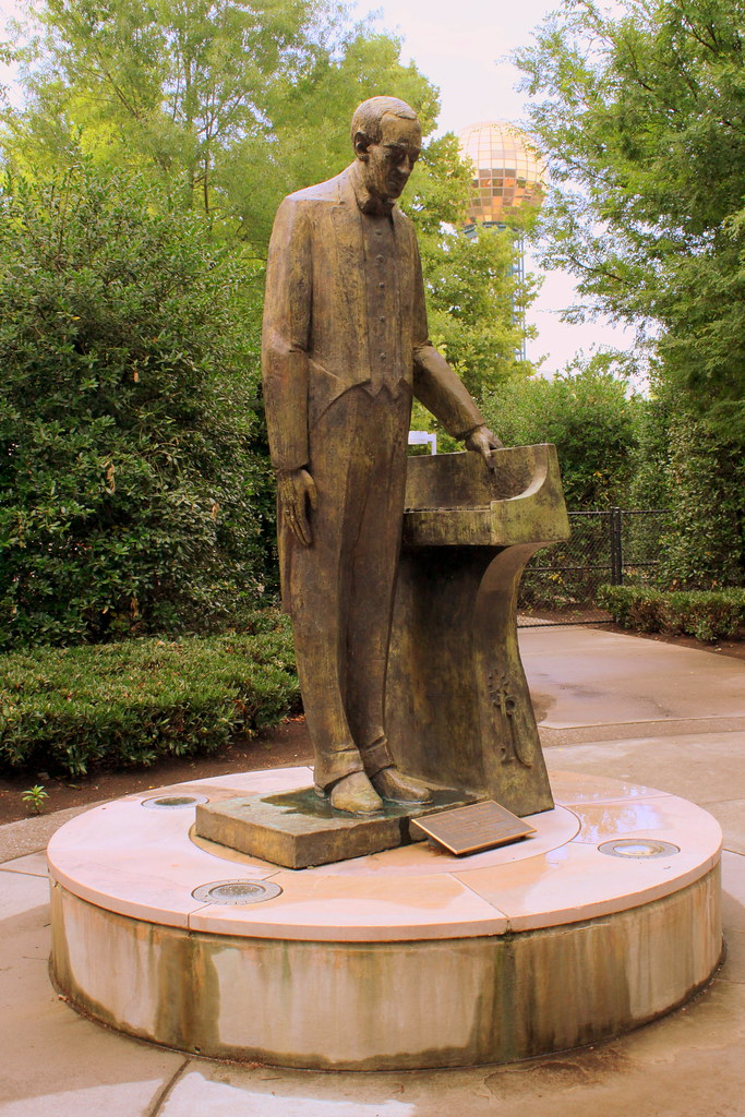 University Of Tennesee >> Sergei Rachmaninoff Statue - Knoxville, TN | The only statue… | Flickr