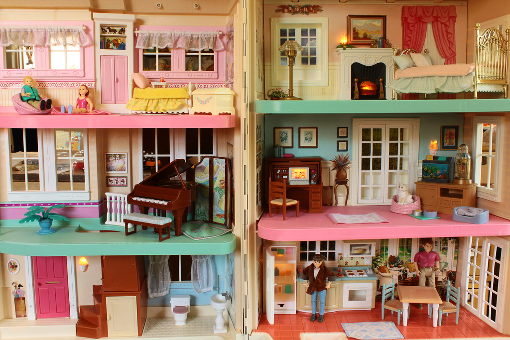 Fisher Price Townhouse 2000 The House Lightly Tied Shut