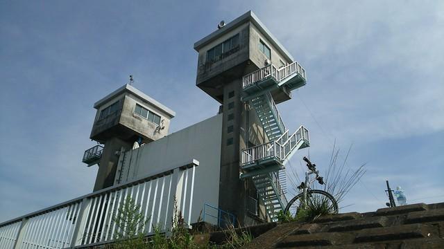 Escape Airと三沢川水門