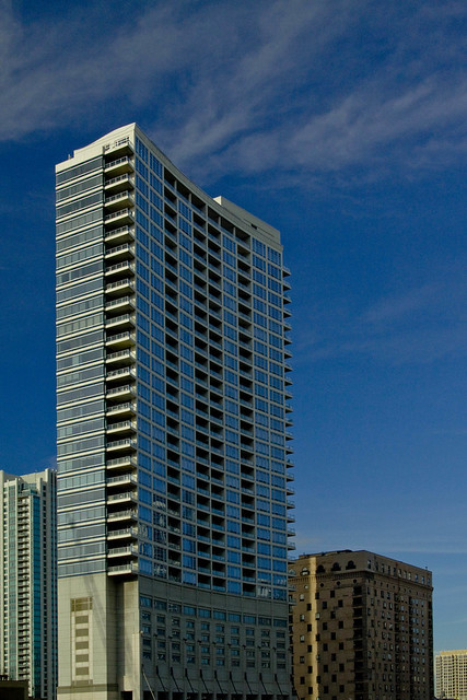 high rise apartment building downtown chicago mg 1410 flickr photo sharing. Black Bedroom Furniture Sets. Home Design Ideas