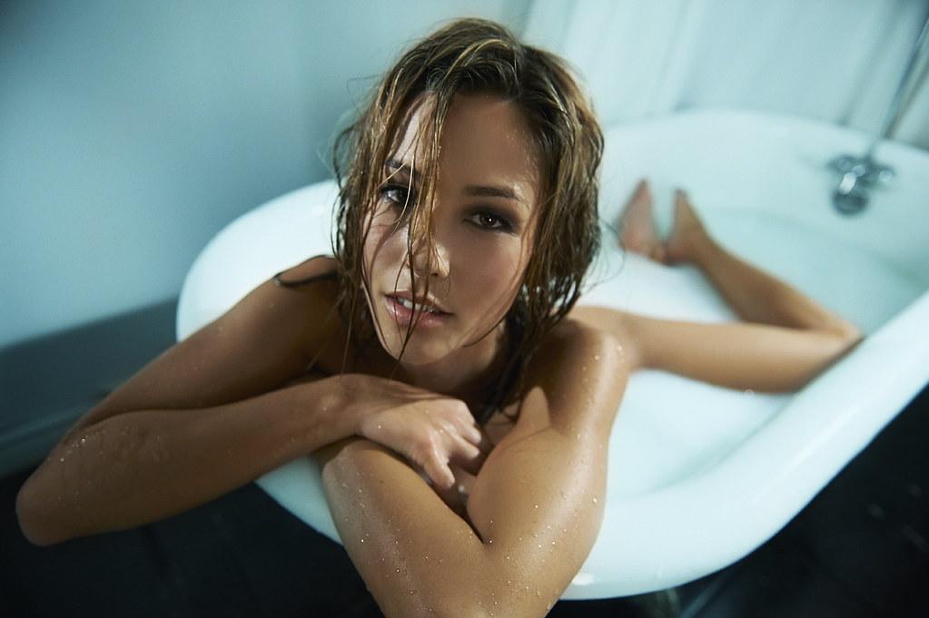 kaitlyn wong nude