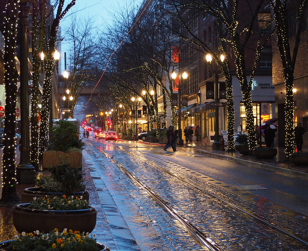 Portland city streets of portland oregon daniel - Camera world portland ...