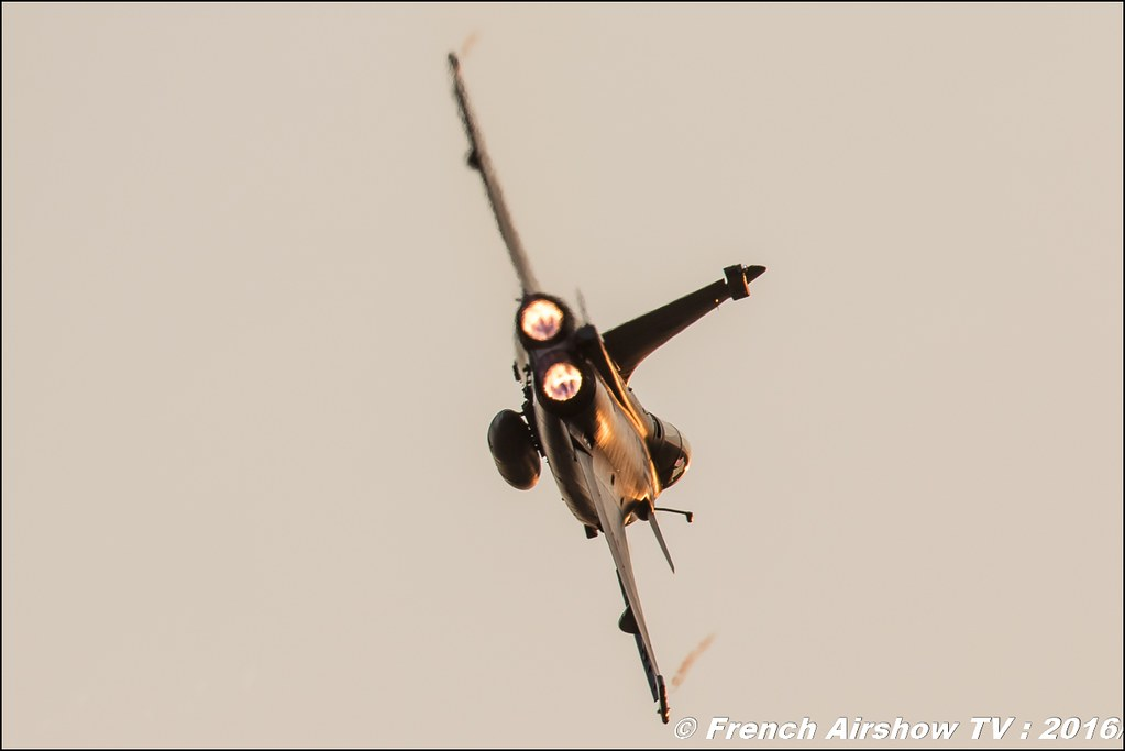 Rafale NN , Sunset , dassault , Escadron de chasse 2/30 Normandie-Niemen ,22 ème meeting aérien international de Roanne , Meeting Aerien Roanne 2016, Meeting Aerien Roanne , ICAR Manifestations , meeting aerien roanne 2016 , , Meeting Aerien 2016 , Canon Reflex , EOS System