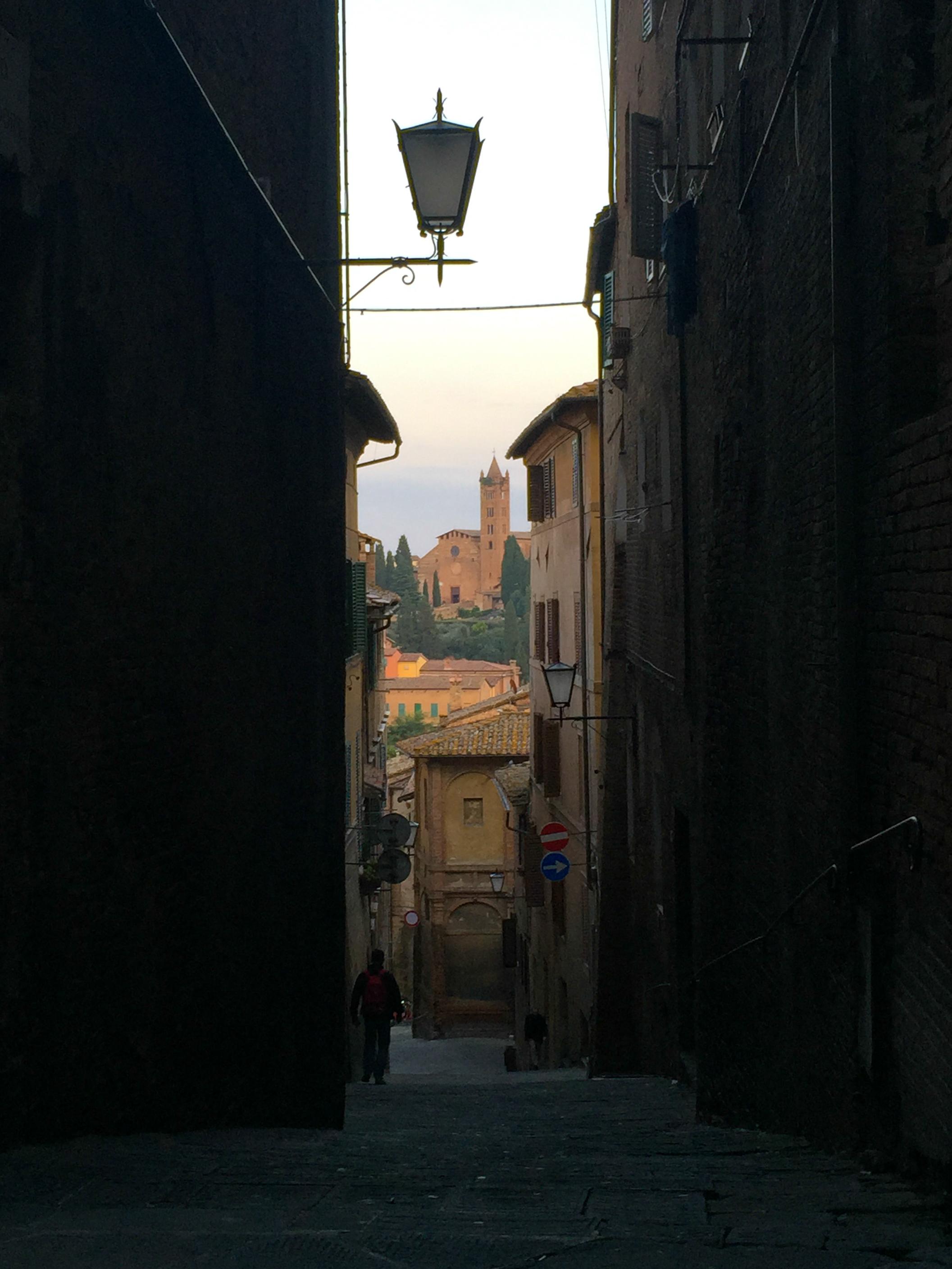 Siena alley