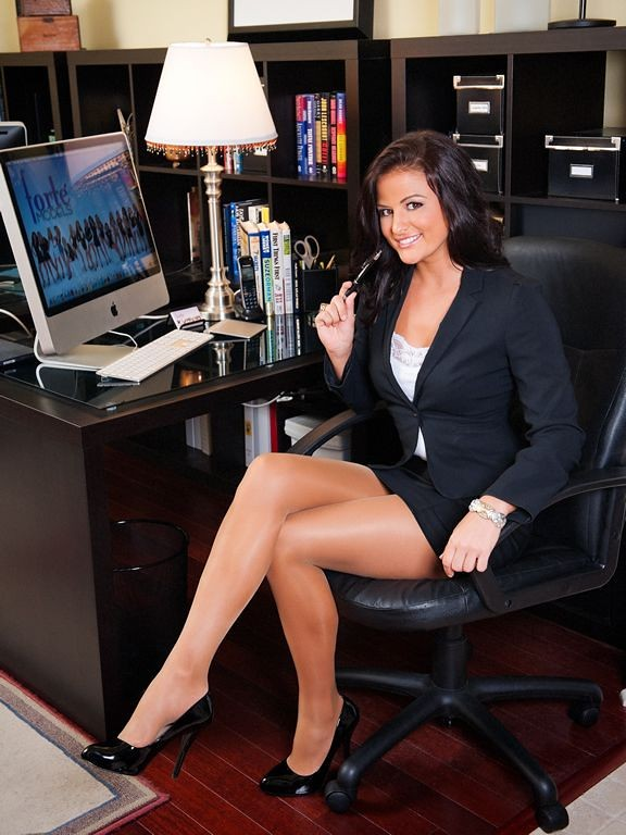 Mature boss woman Magdalene St Michaels spreading hairy pussy in office  884535