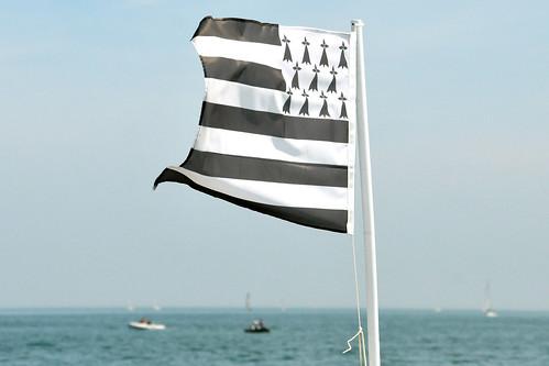 Bretagne 2016 - Rückfahrt von der Mönchsinsel durch den Golf von Morbihan nach Port Navalo - Insel Gavrinis mit Cairn - Abstecher ins Offene Meer, le grand large - Fotos und Collagen: Brigitte Stolle 2016