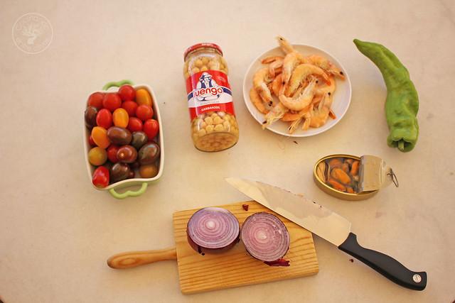 Picadillo de garbanzos con mariscos www.cocinandoentreolivos.com (8)