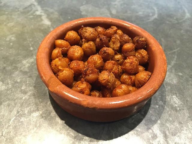 Fried garbanzo beans - Nopalito