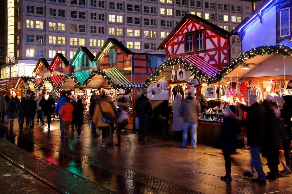 Berlin: Weihnachtsmarkt am Alexanderplatz | Berlin ...