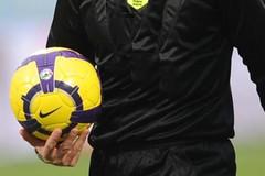 arbitro calcio partita sospesa