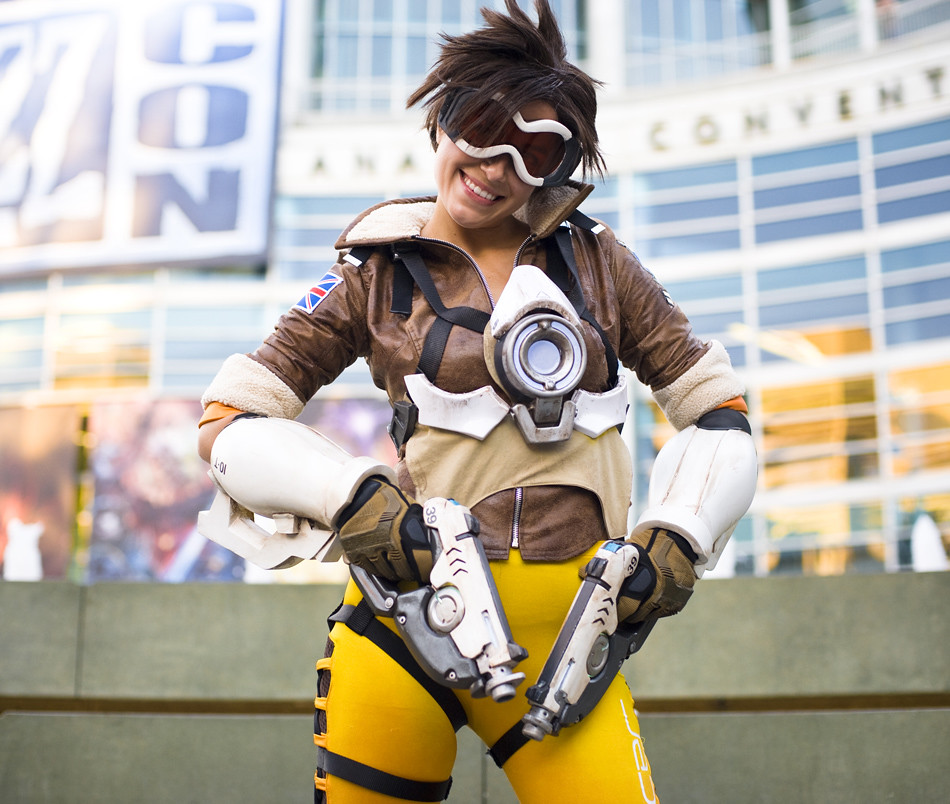 Blizzcon 2014  Tracer  Overwatch  To See The Complete -3169