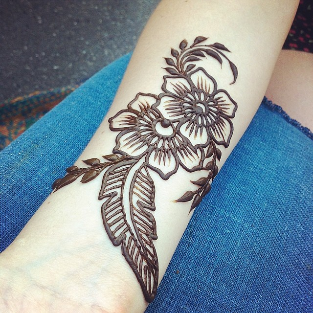 19 Beautiful Feather Henna Designs You Will Love To Try: Purely Natural Henna Stains The Top