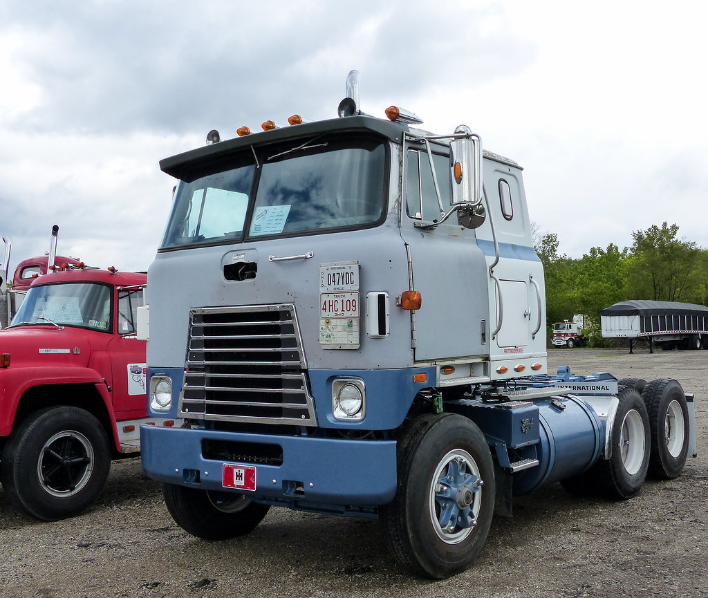 A Fd B Ab Fff E D Old Trucks Cars For Sale together with Maxresdefault also Ba Eb E Aa Cd C Fe C Bc likewise Img X as well Old School Freightliner Cabover Robin Egg Blue  plete Restoration. on old international coe trucks