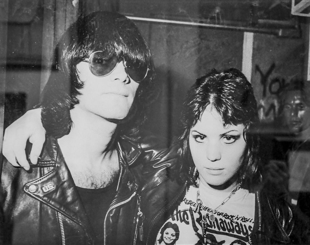 Dee Dee Ramone And Joan Jett Chelsea Hotel Gallery Flickr