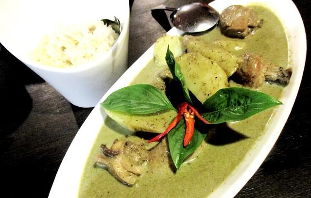 Flavours Thai Kitchen Thai green curry