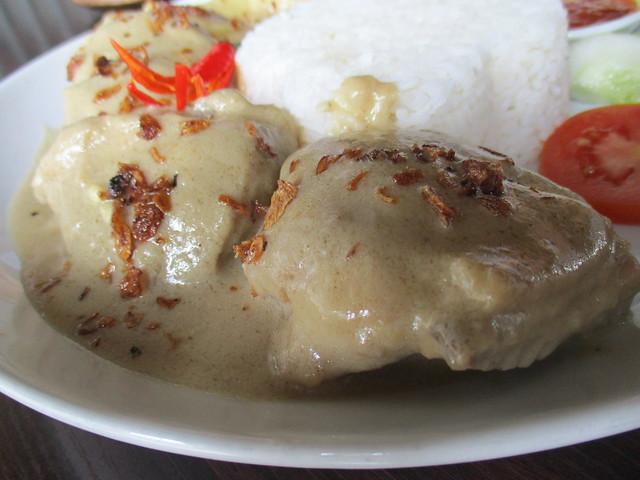 Cafe IND opor ayam, chicken