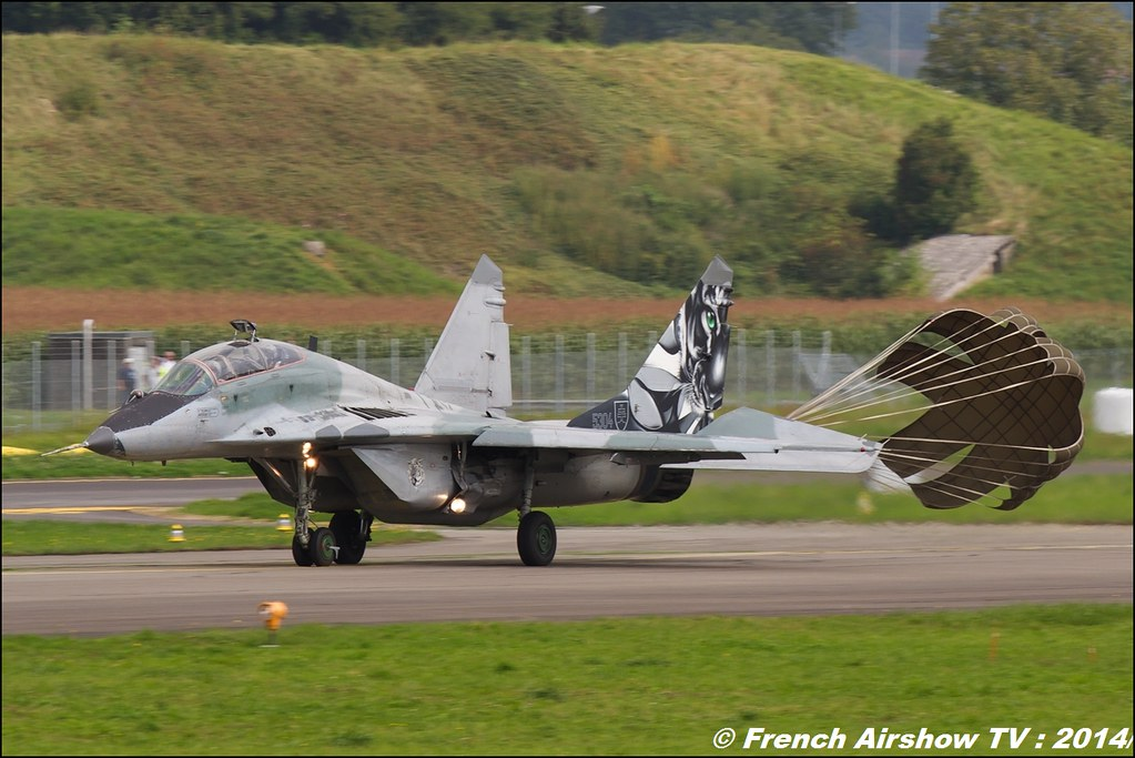 Mig-29 UB AIR14 Payerne 2014 Canon Sigma France contemporary lens