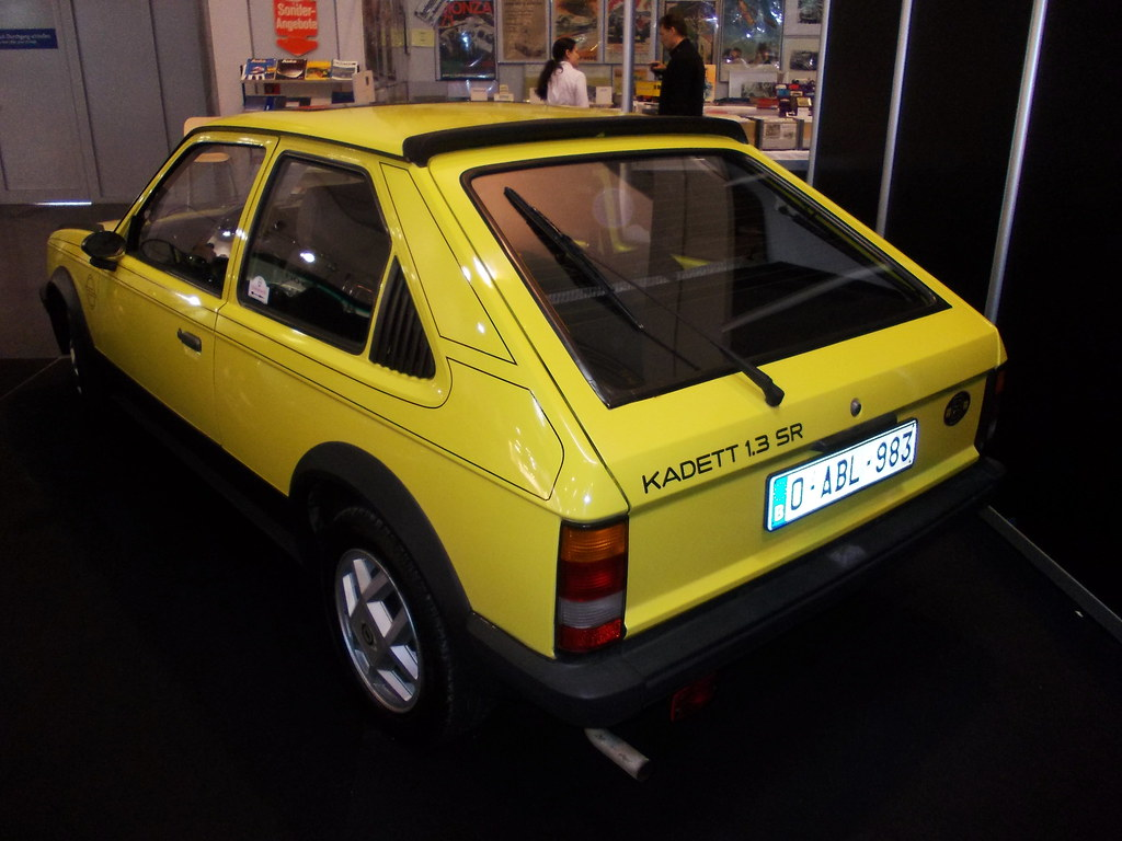 opel kadett d 1 3 sr 1981 techno classica essen 2016 flickr. Black Bedroom Furniture Sets. Home Design Ideas