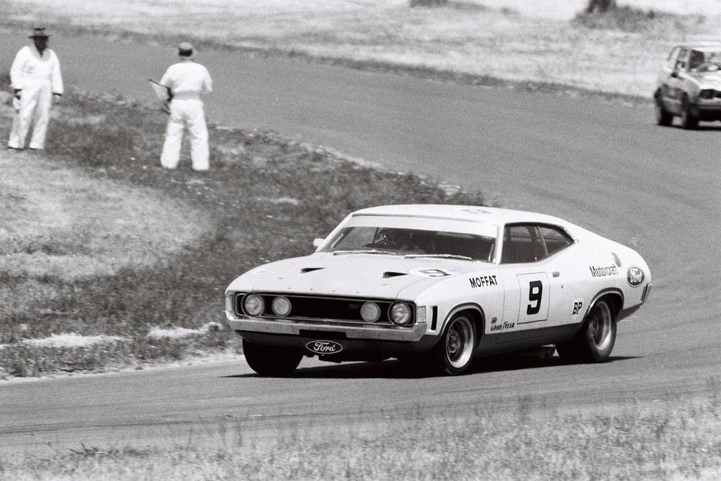 Phillip Island Car Racing