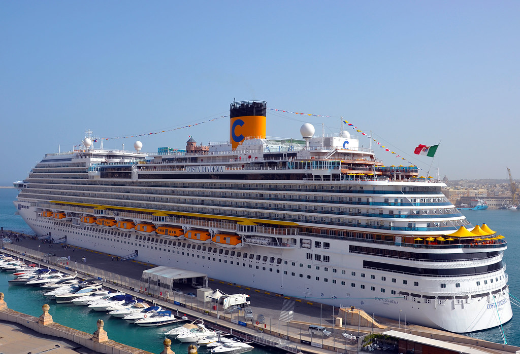 Costa diadema the costa crociere cruise ship costa for Deckplan costa diadema