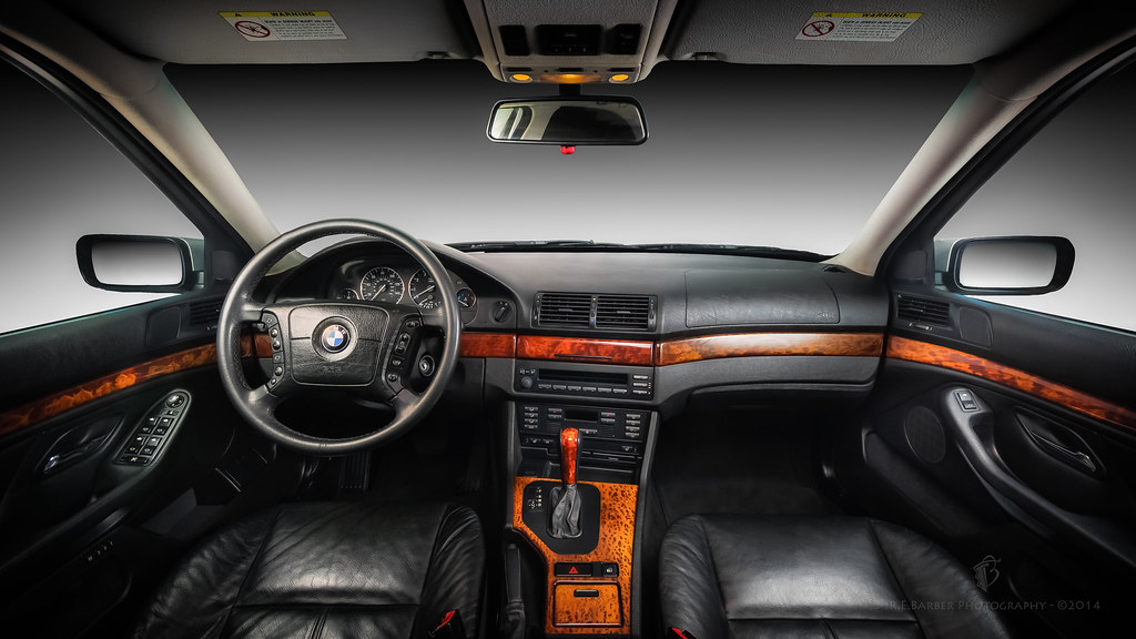 Bmw E39 Interior With Vavona Wood Accents R E Barber