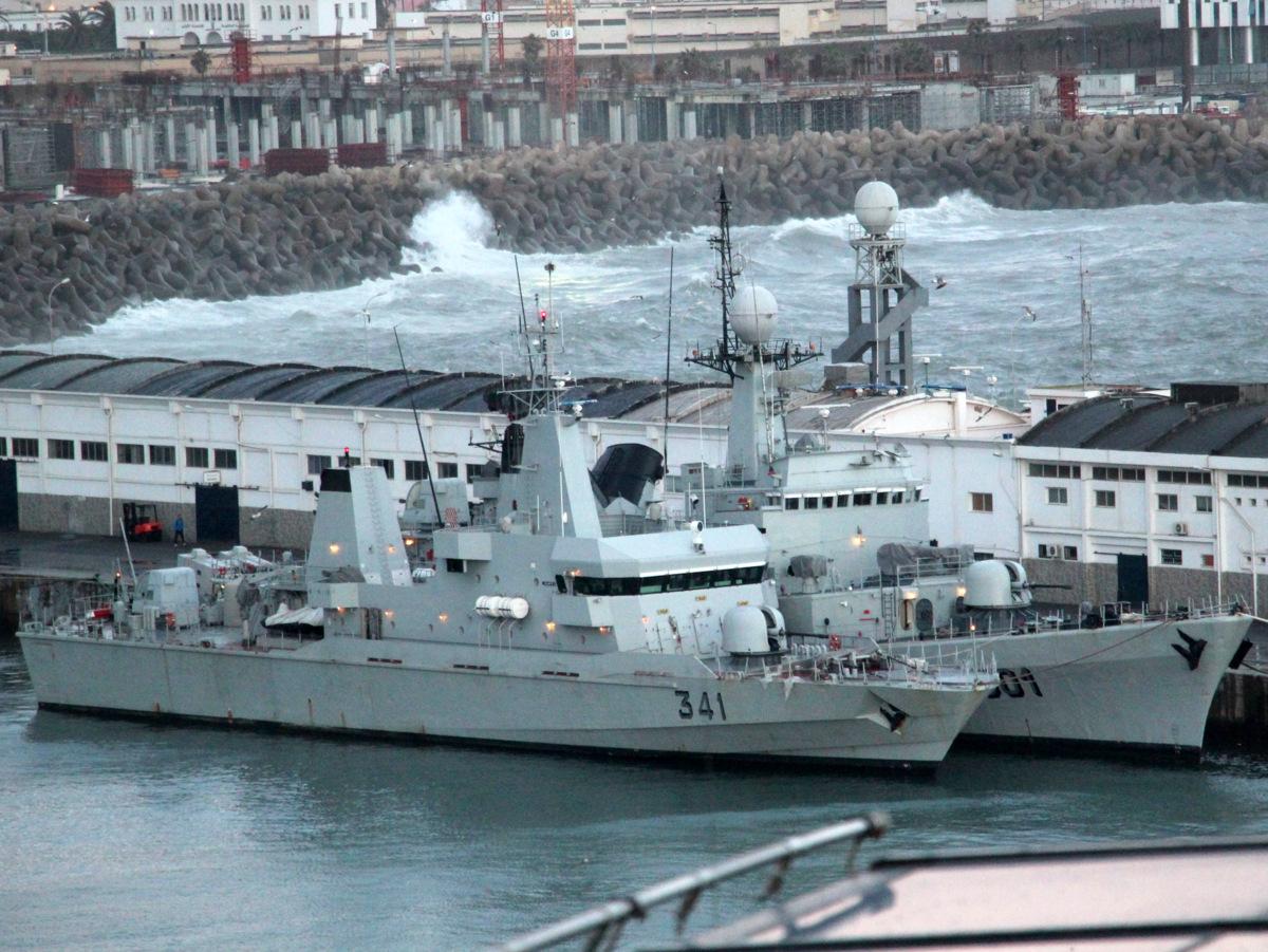 Royal Moroccan Navy OPV-70 / Classe Bir Anzarane - Page 4 16981711576_0dba5e9221_o