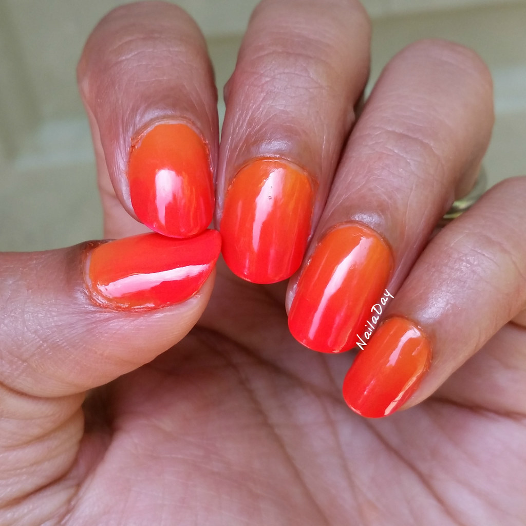 NailaDay: Sunset gradient with Essie Fear and Desire and Wet n Wild Fergilicious