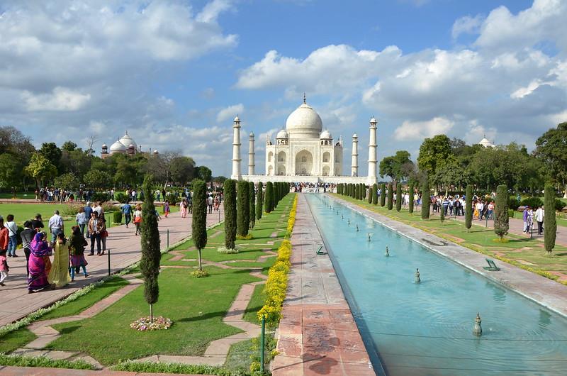 Taj Mahal, Image source:https://www.flickr.com/photos/antonio_ciro/16869108726/